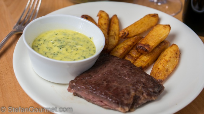 Easy Foolproof Béarnaise Sauce